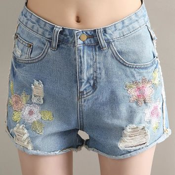 2018 Floral Embroidered Ripped Hole Fringe Blue Denim Shorts Women Causal Pocket Jeans Shorts  Summer Girl Shorts Vintage