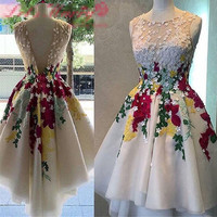 Sheer Tulle White Short Cocktail Dresses 2017 Red Appliques 3D Flowers Homecoming Dress For Graduation Los Vestidos De