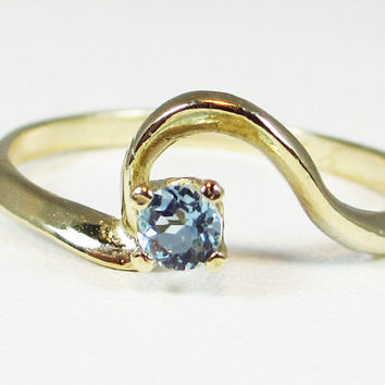 14k Yellow Gold Aquamarine March Birthstone Ring