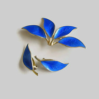 Leaf Brooch Earring Set, Cobalt Blue Enamel, Vintage David-Andersen Norway Sterling, Designer Willy Winnaess, Basse-Taille & Gold Wash