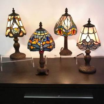 River of Goods 12-inch Tiffany Style Stained Glass Mini Hanging Head Dragonfly Accent Lamp - 17882082 - Overstock.com Shopping - Great Deals on River of Goods Tiffany Style Lighting