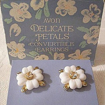 White Flower Rhinestone Pierced Post Stud Earrings Gold Tone Vintage Avon Convertible Three Pieces Delicate Petals Lucite Scallop Edges