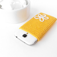 Flower LG G4 sleeve, Yellow iPhone 6 plus case, yellow Nexus 6 pouch, OnePlus One, Lumia 1520 cozy, Galaxy Note 4, Kindle Voyage, Xperia T2