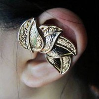 Leaves Dream Single Ear Cuff  | LilyFair Jewelry