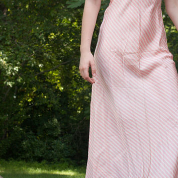 Vintage 1940's Dress .Bias Cut / Short Sleeve / Shirtwaist in Pink Stripe