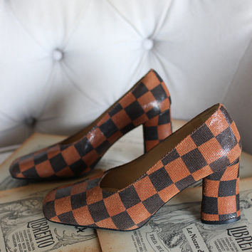 Vintage 1990's MICHAEL G. ABRAMS 3 Inch Pumps High Heeled Brown Checkered Leather Shoes Size 6B