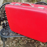 Lipstick Red American Tourister Tiara 27 inch Suitcase