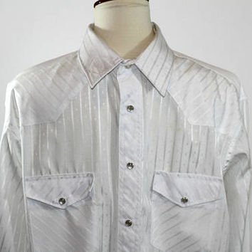 Men's White Western Shirt Wrangler Sz L White on White Stripe | Pearl Snap Buttons | Men's White Cowboy Shirt with Yokes and Snap Pockets
