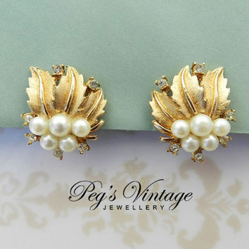 Vintage Gold Tone Leaf Faux Pearl Earrings/Pearl Rhinestone Clip Earrings