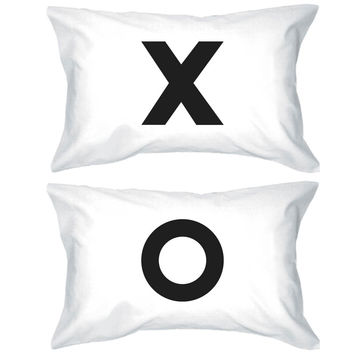 Bold Statement Pillowcases 300-Thread-Count Standard Size 20 x 31 - X O