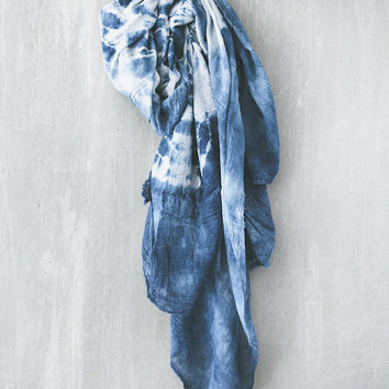 Scout & Catalogue - Nomad Scarf in Indigo