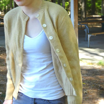 1950s Beige Sweater Women's Tan / Medium Size Cardigan by Kenwyn 100% Shetland Wool WPL 8244 Mid-Century Crop Waist