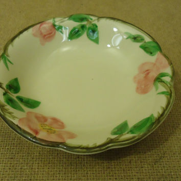 Franciscan Vintage Desert Bowl 5 1/4in Floral Desert Rose USA Earthenware -- Used
