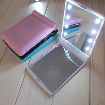 Babydoll Illuminated Compact Mirror