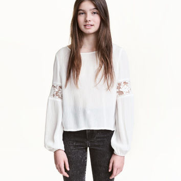 Crinkled Top with Lace - from H&M