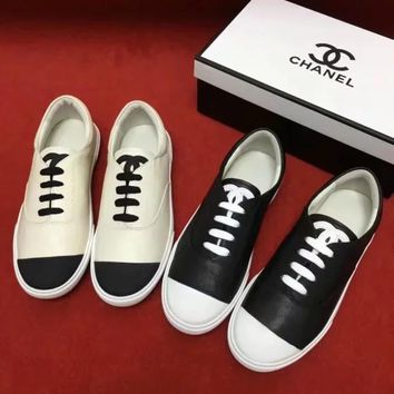 CHANEL Flat bottomed white shoes