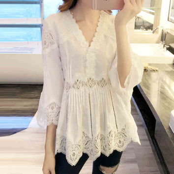 Big Code Female New Style Spring V-neck Lace Long Design Shirts Blusas 3/4 Flare Sleeved Loose Blouse Babydoll White Tops -
