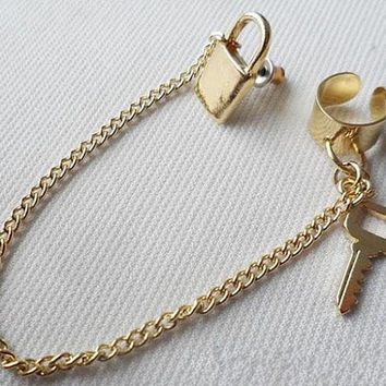 Gold Lock and Key Ear Cuff