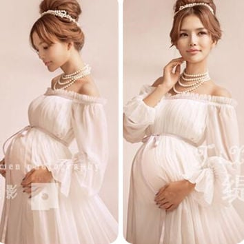 97c4f68291b6b 2017 Royal Style White Maternity Lace Dress Pregnant Photography Props  Pregnancy maternity photo shoot long dress