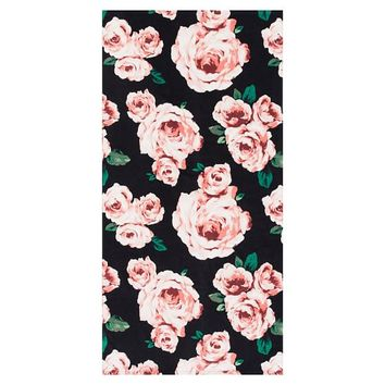 The Emily & Meritt Bed Of Roses Beach Towel