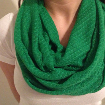 Infinity scarf. Kelly Green.