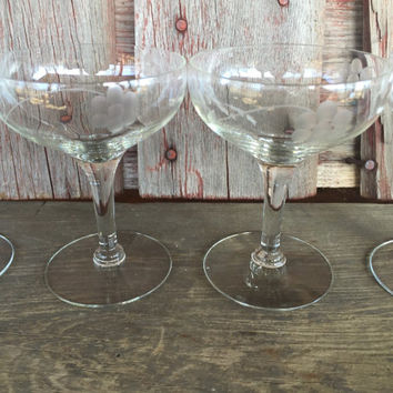 7 Vintage etched champagne glasses, vintage toasting glasses, wedding toasting glasses, vintage etched stemware, MCM bar cart glassware