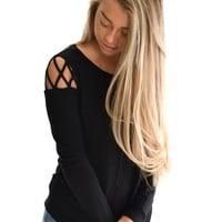 Boulder Detail Top In Black