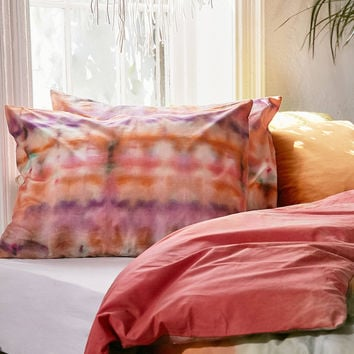Keeley Rainbow Tie-Dye Pillowcase Set | Urban Outfitters