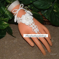 White Beach Wedding Gloves for BRIDES Crochet with Roses and White Glass Beads (2 pieces)