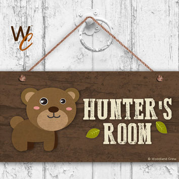 "Bear Sign, Woodland Personalized Sign,Kid's Name, Kids Door Sign, Baby Nursery Wall Decor, Weatherproof, 5"" x 10"" Sign, Made To Order"