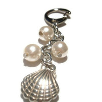 Silver Seashell Keychain, Handbag charm, Purse charm, with seed beads, acrylic Pearls, for Tween, Teen Girls, Women
