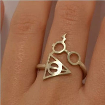 Women's Fashion Jewelry Harry Potter Deathly Hallows Ring Vintage Punk Gold Knuckle Finger Ring Wrap Ring (With Thanksgiving&Christmas Gift Box)= 1946990532