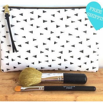 Minimalist Bag - Clutch Purse - Clutch Wallet - Zipper Pouch - Black and White Bag - Small Makeup Bag - Cute Zipper Pouch - Gift for Her