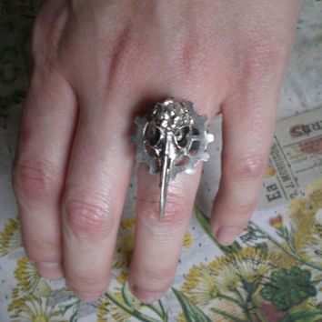 Gothic Industrial Plague Mask Bird Skull Ring (silver)