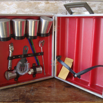 Vintage  Portable Pub Retro Traveling Bar With All Parts
