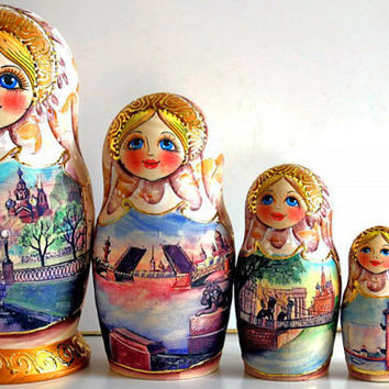 Collectible Russian Babushka dolls Saint-Petersburg kod217