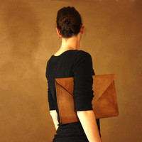 Leather Clutch with removable shoulder strap, leather crossbody bag, oversized clutch made of recycled veg tanned vintage leather