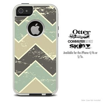 The Tan & Green Vintage Chevron Skin For The iPhone 4-4s or 5-5s Otterbox Commuter Case