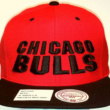 Chicago Bulls Mitchell and Ness Hardwood Classics Wool Snapback Cap