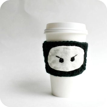 Ninja Travel Mug To Go Cup Cozy black white crochet handmade cover