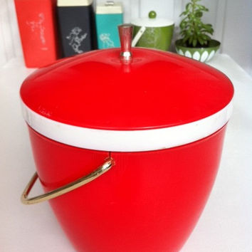 Mid-century ice bucket!! Fantastic, red, large 1950s ice-bucket with gold handle. ReTrO BaR!!!