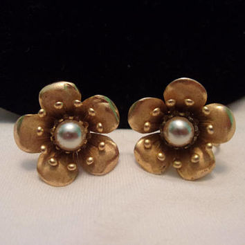 Coro Faux Imitation Pearl Flower Earrings Vintage Textured Shiny Gold Plate Designer