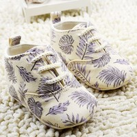 Baby Shoes beige leaf Pram