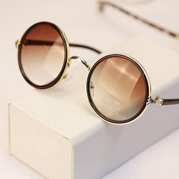 Round Sunglasses with Mirror Lens