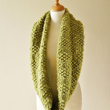 moss green fluted cowl, handknit infinity scarf, chunky knit scarf, textured fluted cowl, geometrical scarf