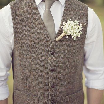 2017 British Style Brown Wool Tweed Vest Men's Suit Vest Slim fit Groom Vest Vintage Wedding Waistcoat Mens Dress Vest Plus Size