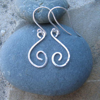 Sterling Silver Hammered Earrings by ZorroPlateado on Etsy