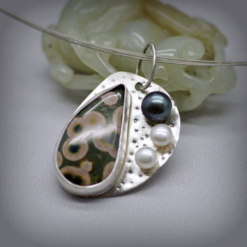 Ocean Jasper Pearl Pendant Necklace, Set in Sterling Silver, Large Lustrous Freshwater Black and White Pearls, Patterned Gemstone, Circles