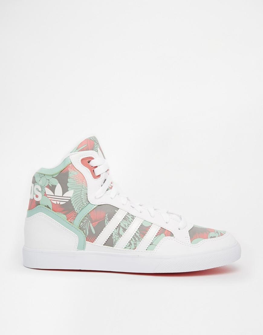 Adidas Originals Extaball White   Green from ASOS 5b249f9eb