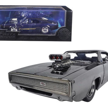"""Dom's Dodge Charger R-T Chrome Limited Edition """"Fast & Furious"""" Movie 1-24 Diecast Model Car by Jada"""